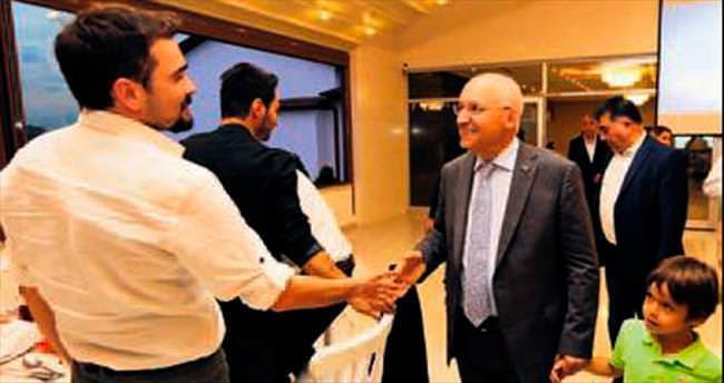 Yaşar, basın mensuplarıyla iftar yemeğinde buluştu