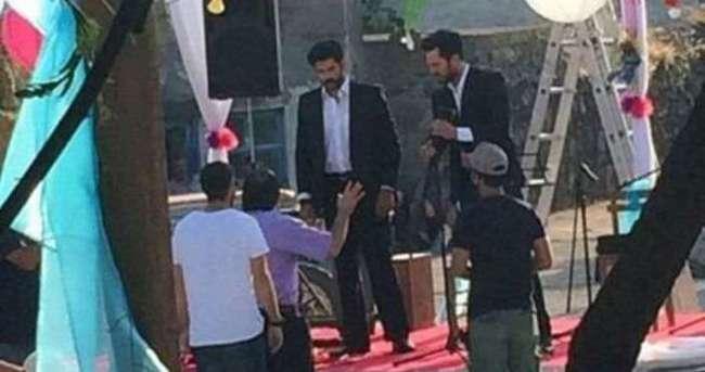 Burak Özçivit ile Murat Boz aynı sahnede
