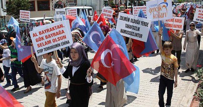 Uygur bölgesinde Müslümanlara yönelik uygulamalar kınandı