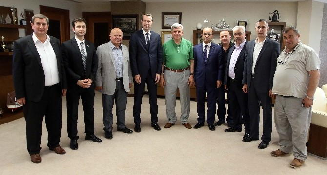 Sancaklı'dan Başkan Karaosmanoğlu'na Nezaket Ziyareti