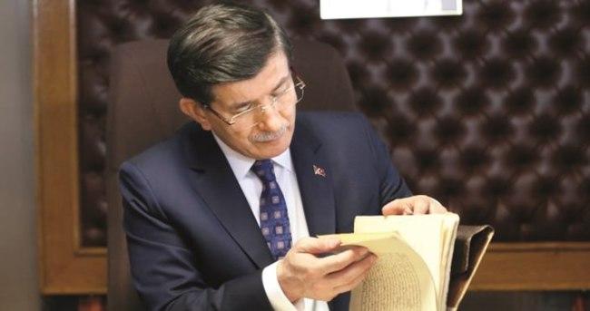 Davutoğlu'ndan koalisyona iki yıl şartı