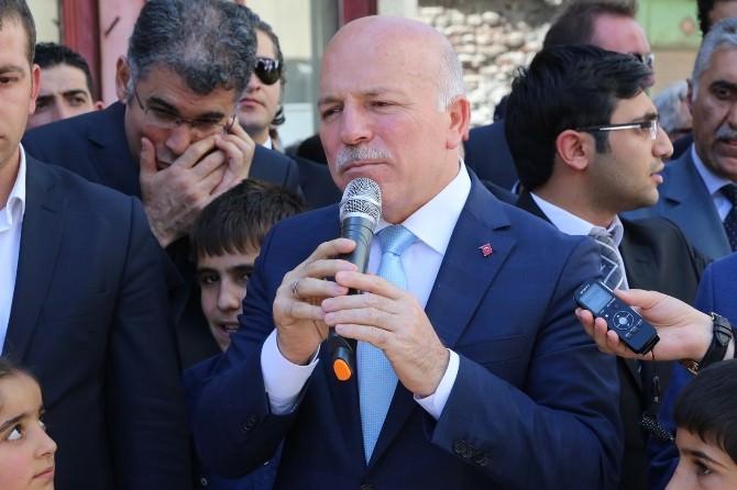 Büyükşehir'in 'En Büyük İyilik Hareketi' Hayır Çarşısı Açıldı (Tekrar)
