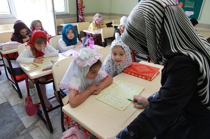 Yaz Bilgievlerinde Kur'anı Kerim Dersi