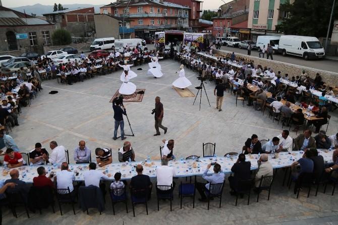 Büyükşehir, Pasinler'de Sokak İftarı Düzenledi