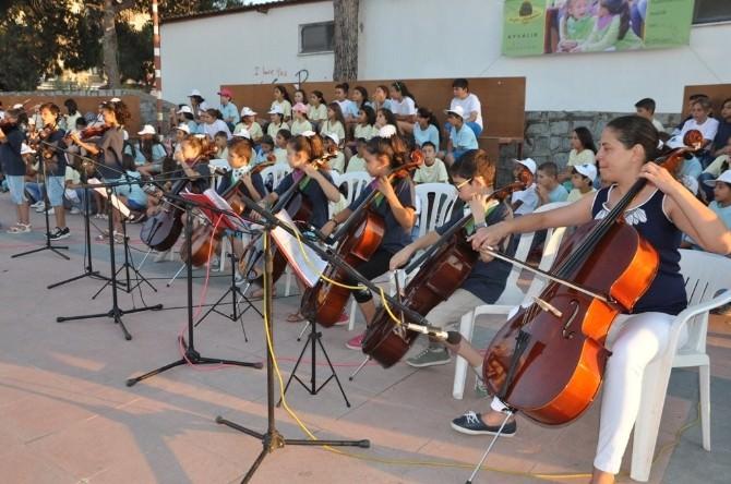 Zeytin Çekirdekleri Yaz Konseri Büyüledi
