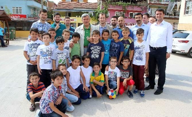 Başkan Karaosmanoğlu, Tügva'nın Yaz Okulunu Ziyaret Etti