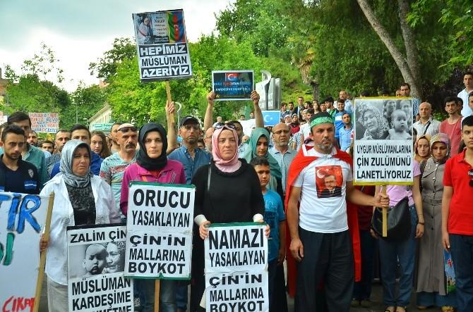 Doğu Türkistanlı Müslümanları Yalnız Bırakmadılar