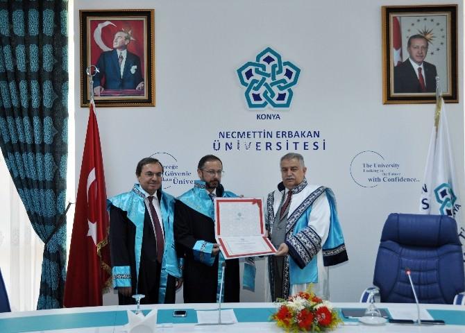 Rıfat Oral'a Fahri Doktora Unvanı Verildi