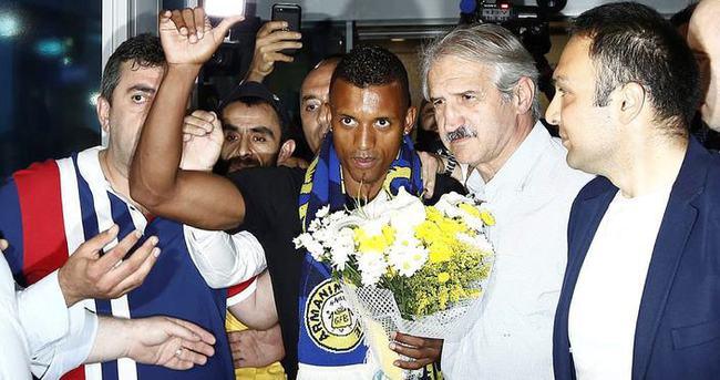 Luis Nani, Fenerbahçe'ye imza atıyor