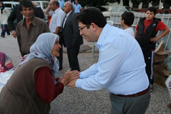 Aksaray'da Yüzlerce Kişi Aynı Sofrada Buluştu