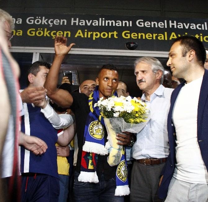 Luıs Nanı, Fenerbahçe'ye İmza Atıyor