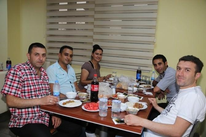 Iğdır Üniversitesi Yardımcı Personeline İftar Yemeği