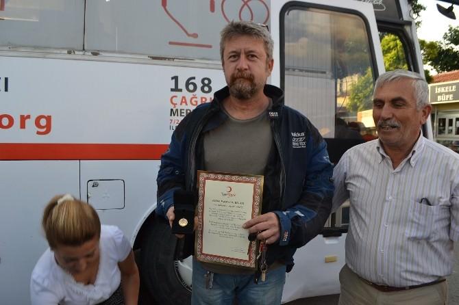 Kan Bağışçılarına Madalyaları Verildi