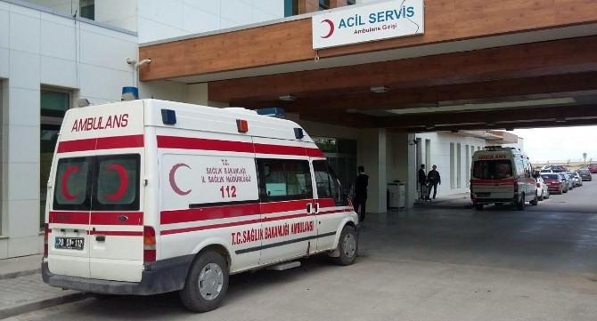 Servis Minibüsü Tarlaya Devrildi: 14 Yaralı