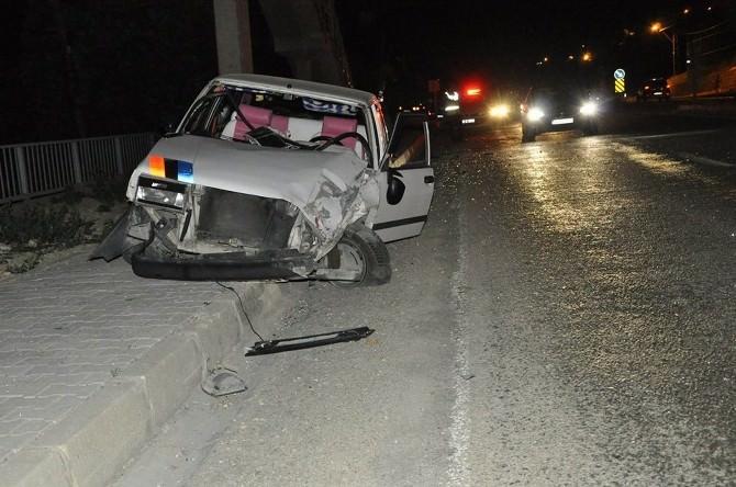 Gürün'de Trafik Kazası: 3 Yaralı