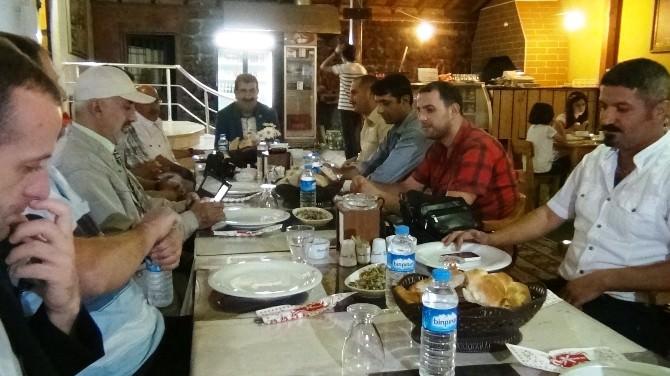 Başkan Nihat Çelik Gazetecilerle İftarda Bir Araya Geldi