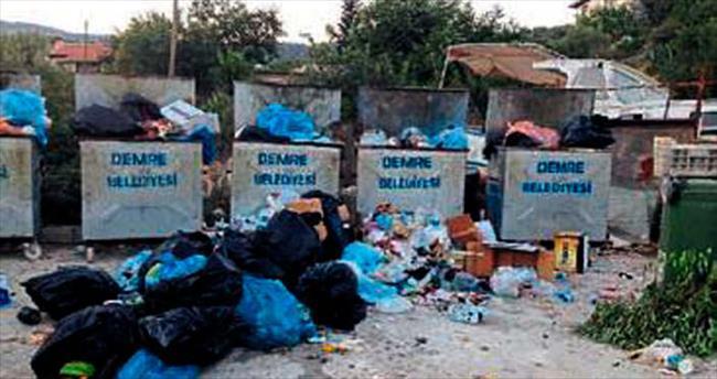 Turizm cennetinde çöp manzarası