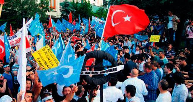 Doğu Türkistan'a 'seninleyiz' mesajı
