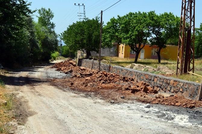 Adilcevaz'da Yol Yapım, Genişletme Ve İstinat Duvarı Çalışmaları
