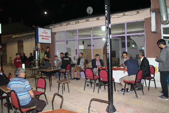 Kaymakam Pektaş, Çay Sohbetinde