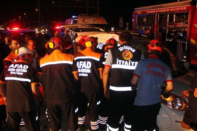 Kazada Araç İçerisinde Sıkışan Kadın Öldü