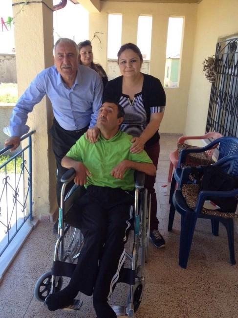 Engelli Vatandaşa Tekerlekli Sandalye