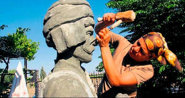 Müzenin heykellerini kadın sanatçı yapıyor