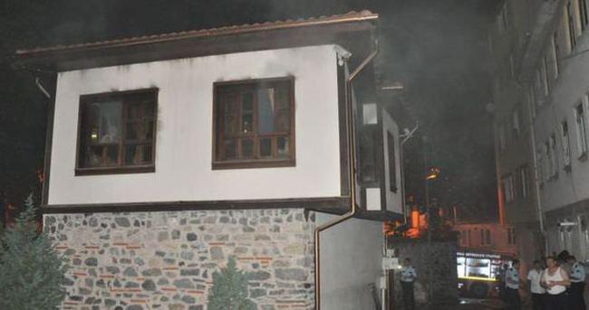 Bursa'da tarihi aşevinde yangın