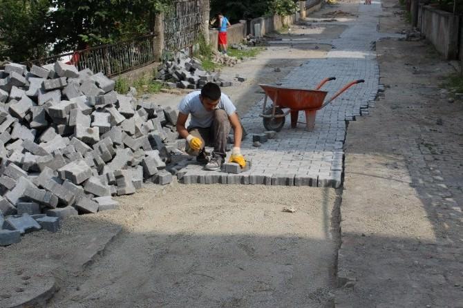 Akçakoca'da Parke Çalışmaları Hızla Sürüyor