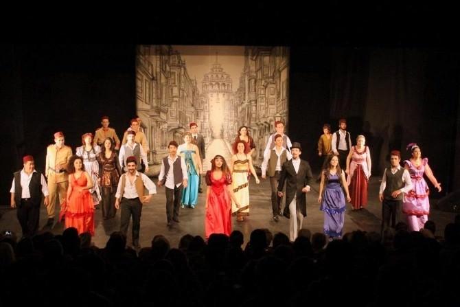 Alanya Belediye Tiyatrosu, 35 Temsille Rekor Kırdı