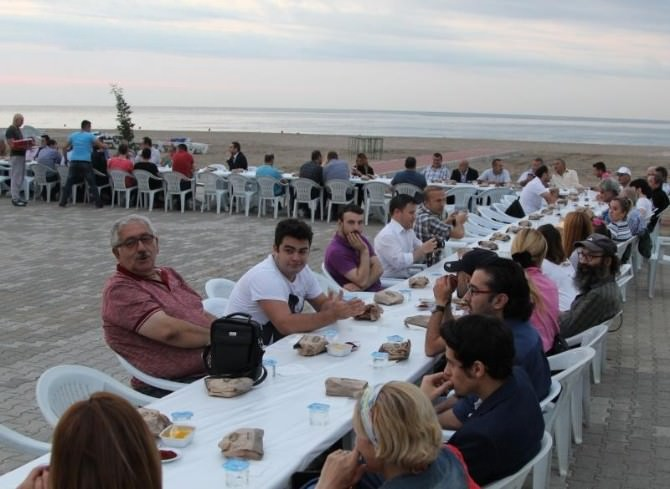Giresun Belediyesi Muhtarlar Ve Basın Mensuplarına İftar Verdi