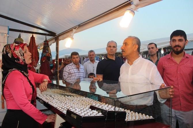 Arsuz'da Hediyelik Eşya Fuarı Açıldı
