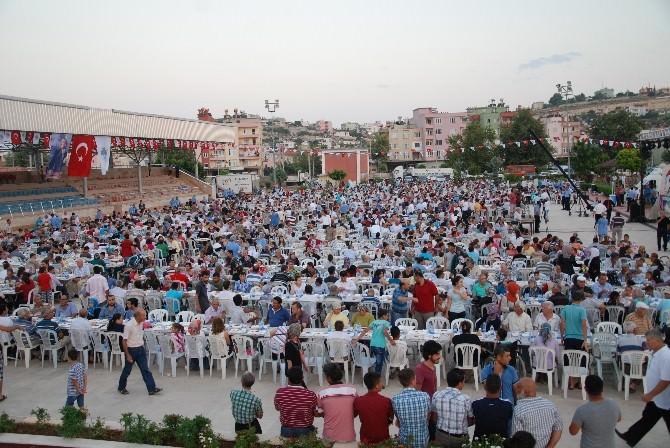 Mersin Büyükşehir Belediyesi Ramazan Sofrasını Silifke'de Kurdu