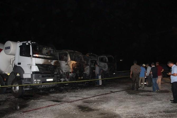 Siirt'te İş Makinaları Yakıldı