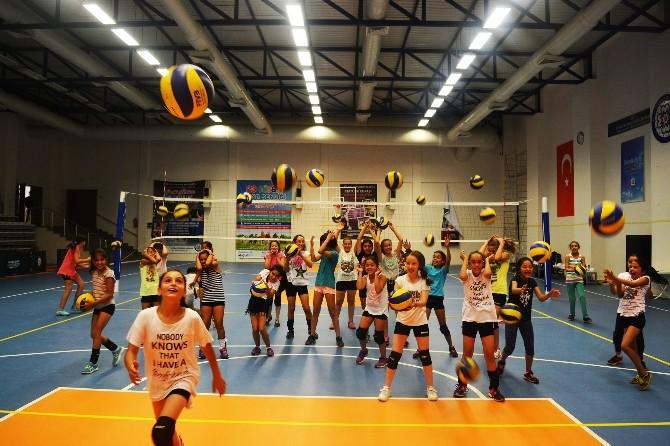 Büyükşehir'in Yaz Spor Kurslarına Büyük İlgi