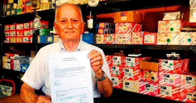 Kıbrıslı emekli, bütün parasını Çipras'a yolladı