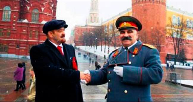 Stalin, Lenin'i dövdü!