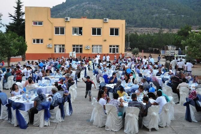 Akkuyu Ngs Çalışanları Büyükeceli Halkı İle İftarda Buluştu