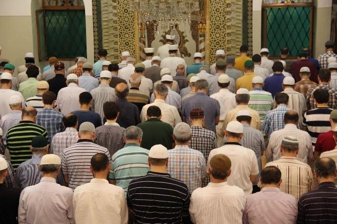 Bursa Gazi Orhan Cami'nde Teveccüh Namazı