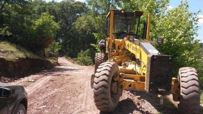Kırsal Mahallelerde Yol Yapım Çalışması Sürüyor