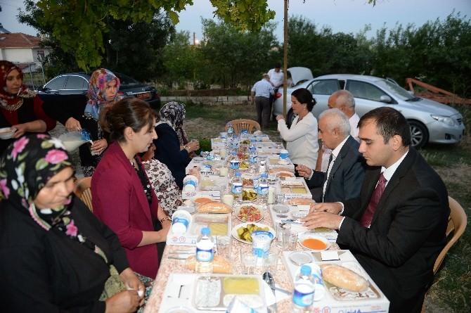 Edirne Valisi Şahin Köyde İftar Yaptı