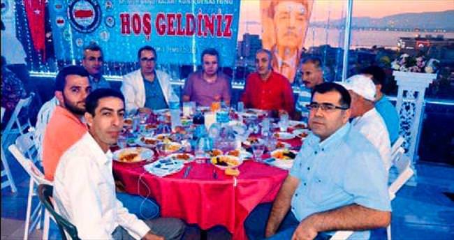 Memur-Sen İzmir'den bin kişilik iftar yemeği