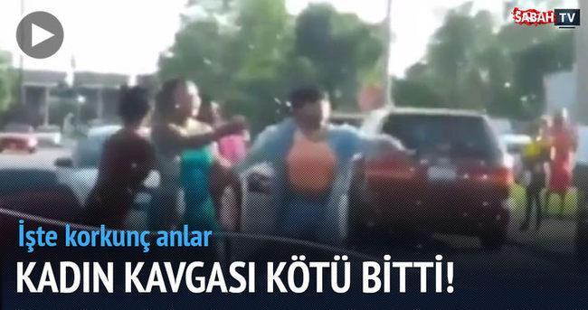 Yol ortasında kavga eden kadınlara şok!