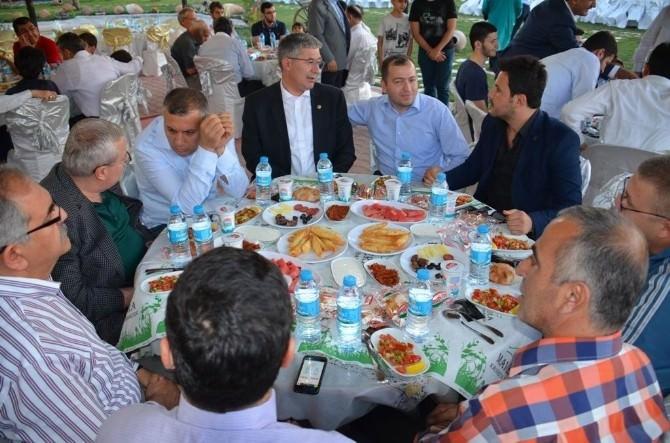 AK Parti İl Teşkilatı İftar Yemeğinde Buluştu