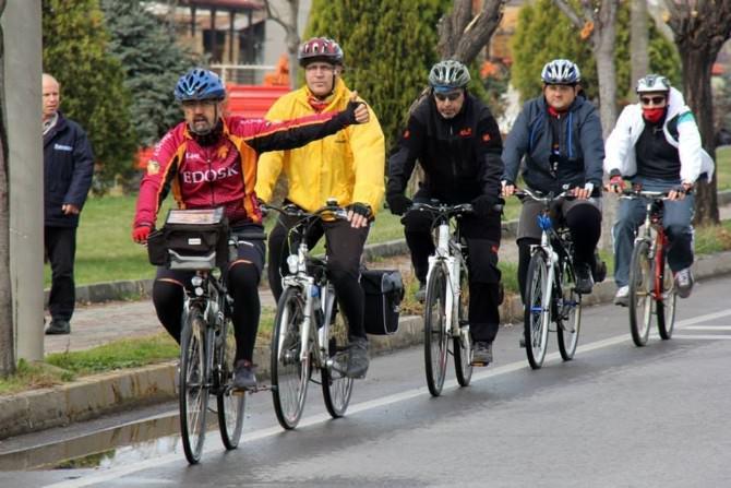 Trafikte Bisikletliye Saygı İstediler
