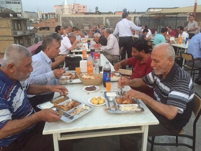 İhlas Vakfı Adana Yurdu'nda Anlamlı Buluşma