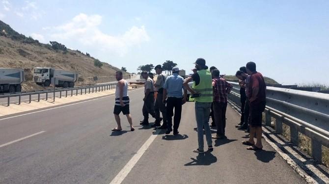 Yol Yapım Çalışmasında Bayrak Sallayan İşçiye Silahlı Saldırı
