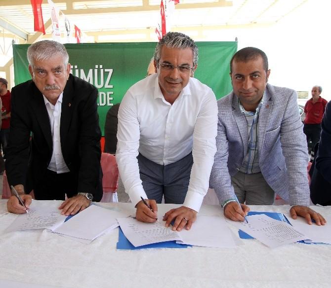Karşıyaka Belediyesi'nde İşçiler Erken Bayram Yaptı