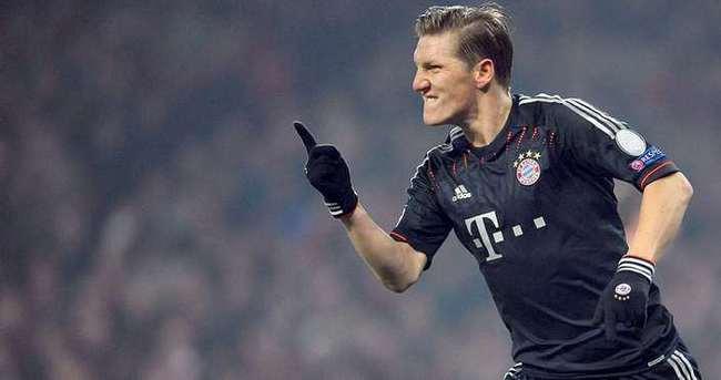Schweinsteiger, Manchester United'a transfer oldu