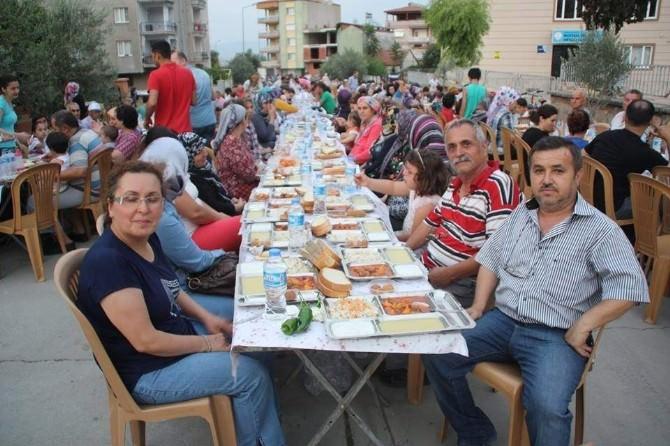Alaşehir Belediyesi'nden Kurtuluş Mahallesi'nde İftar